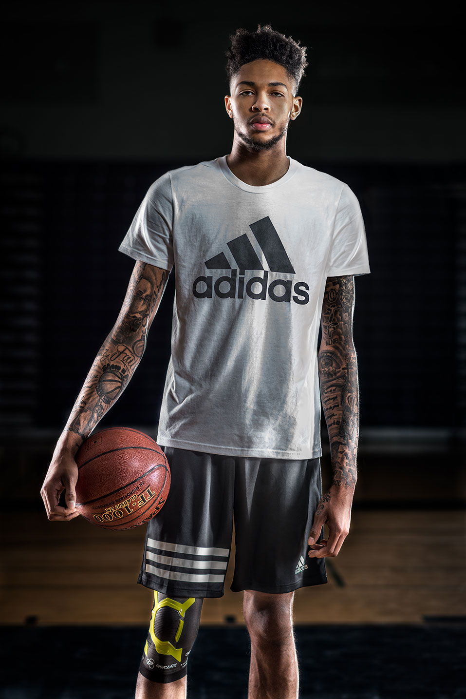 brandon-ingram-donjoy-trizone-knee-sleeve]