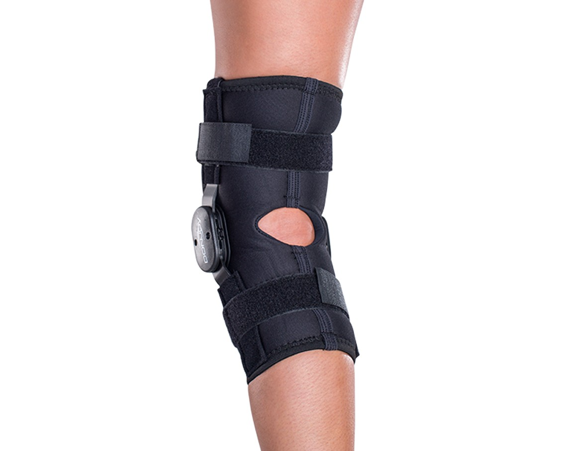 576b09f8b0 DonJoy Deluxe Hinged Knee Brace | DonJoyPerformance.com