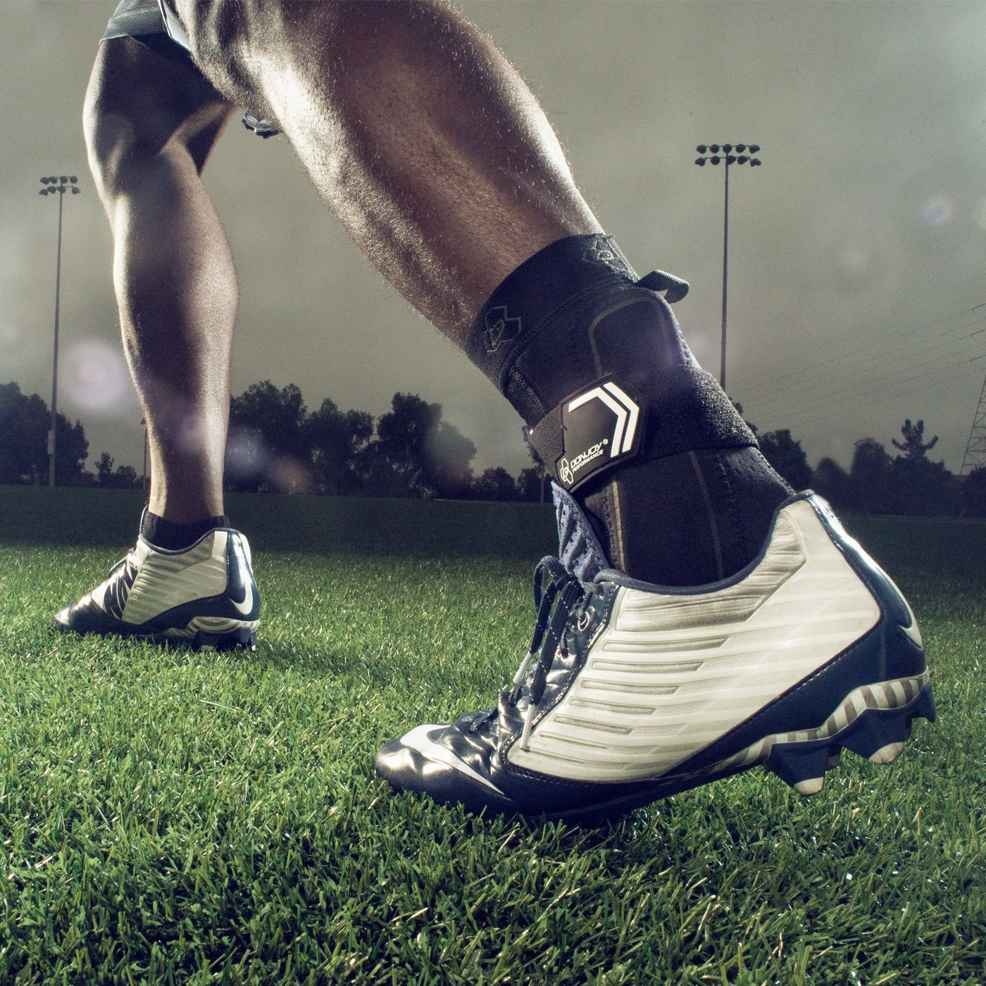 Walking Softball Running Prevent Ankle Sprains Tennis Football DonJoy Performance Bionic Ankle Brace Rolls//Ideal for Soccer Baseball 60/° Stay w//Stirrup for Mild to Moderate Ankle Support